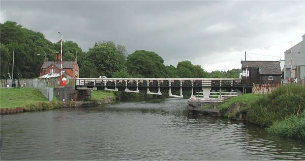 Winnington swing bridge-a 2002-refurbished-a